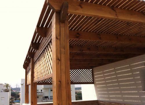 פרגולה מעץ למרפסת ולגינה